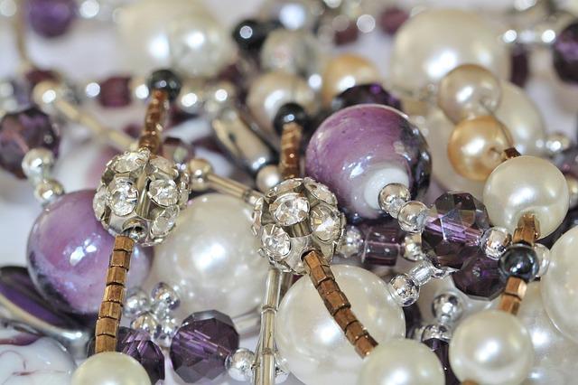 jewellery-509342_640