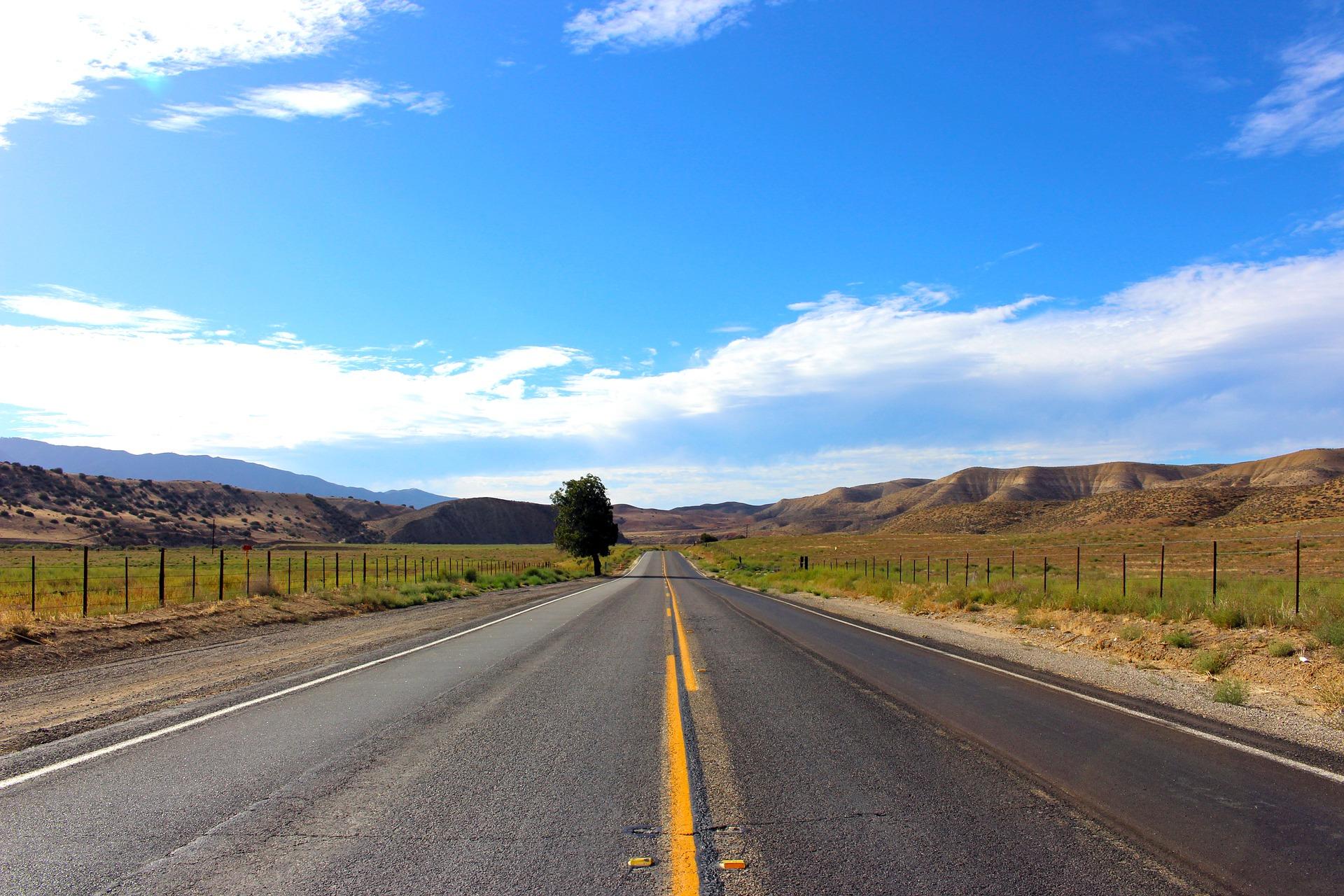 road-2159661_1920